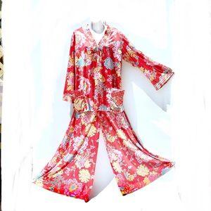 Vanity Fair Vintage Mandarin Red Floral Pajamas